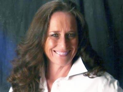 Denisa Gressett Burnham