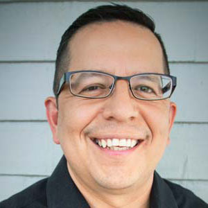 Headshot of San Marcos Real Estate Agent Ray Deleon